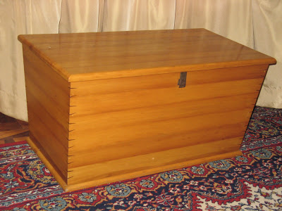 """This chest is an imitation of an old-fashioned """"wakis"""" (wagon-box). The chest is made of old yellow wood roof trusses and the corners of the box are strengthened with embuia wedges"""