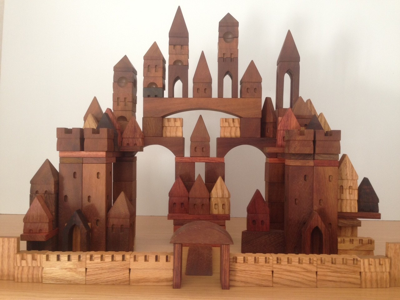 Build your own Medieval city. Set of 130 blocks.