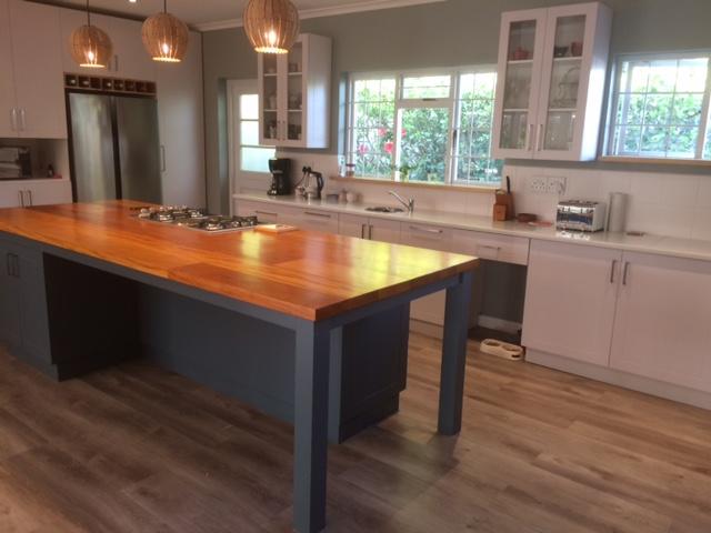 Eiland-tafel met balinghout blad